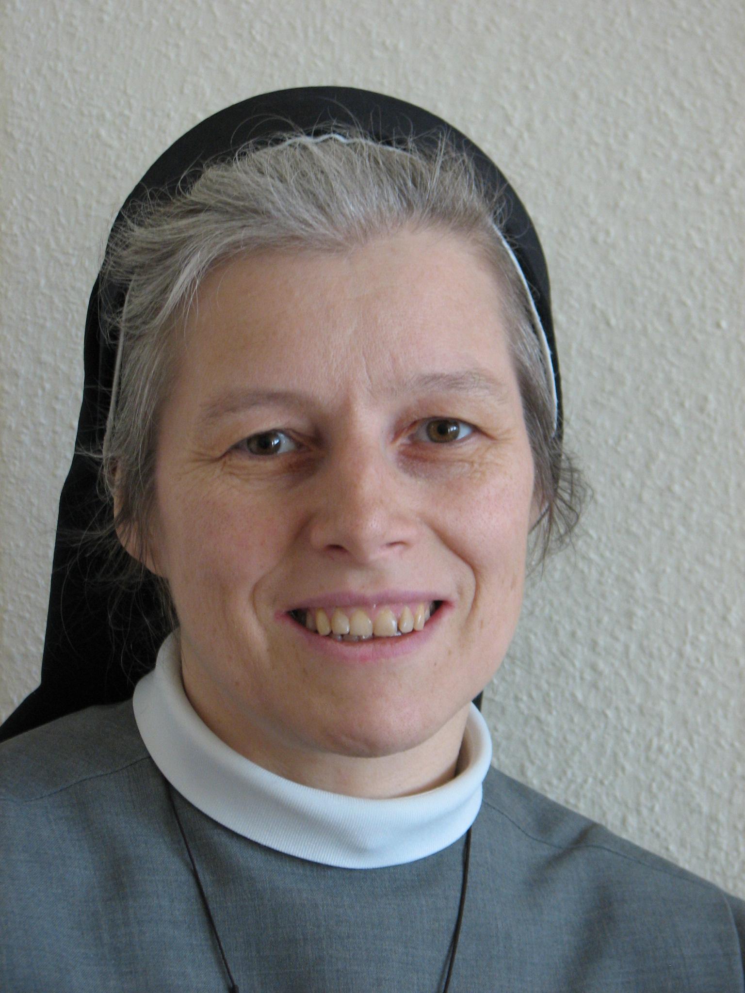 """Sr. Sonja: """"Kloster Und Ich Sind Zwei Verschiedene Paar Schuhe, Dachte Ich …"""""""