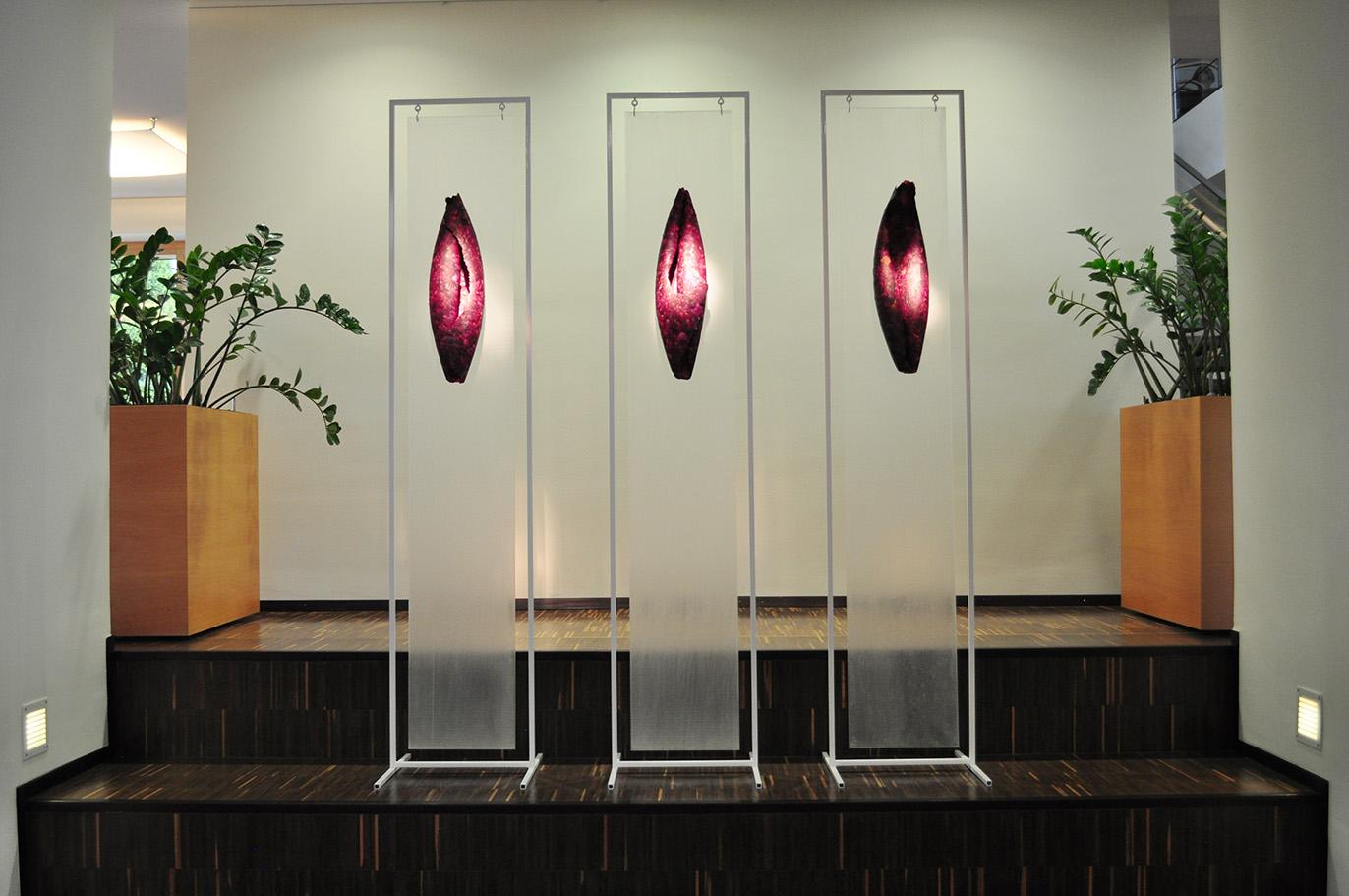 Ausstellungseroeffnung-dreirosenobjekte_1140