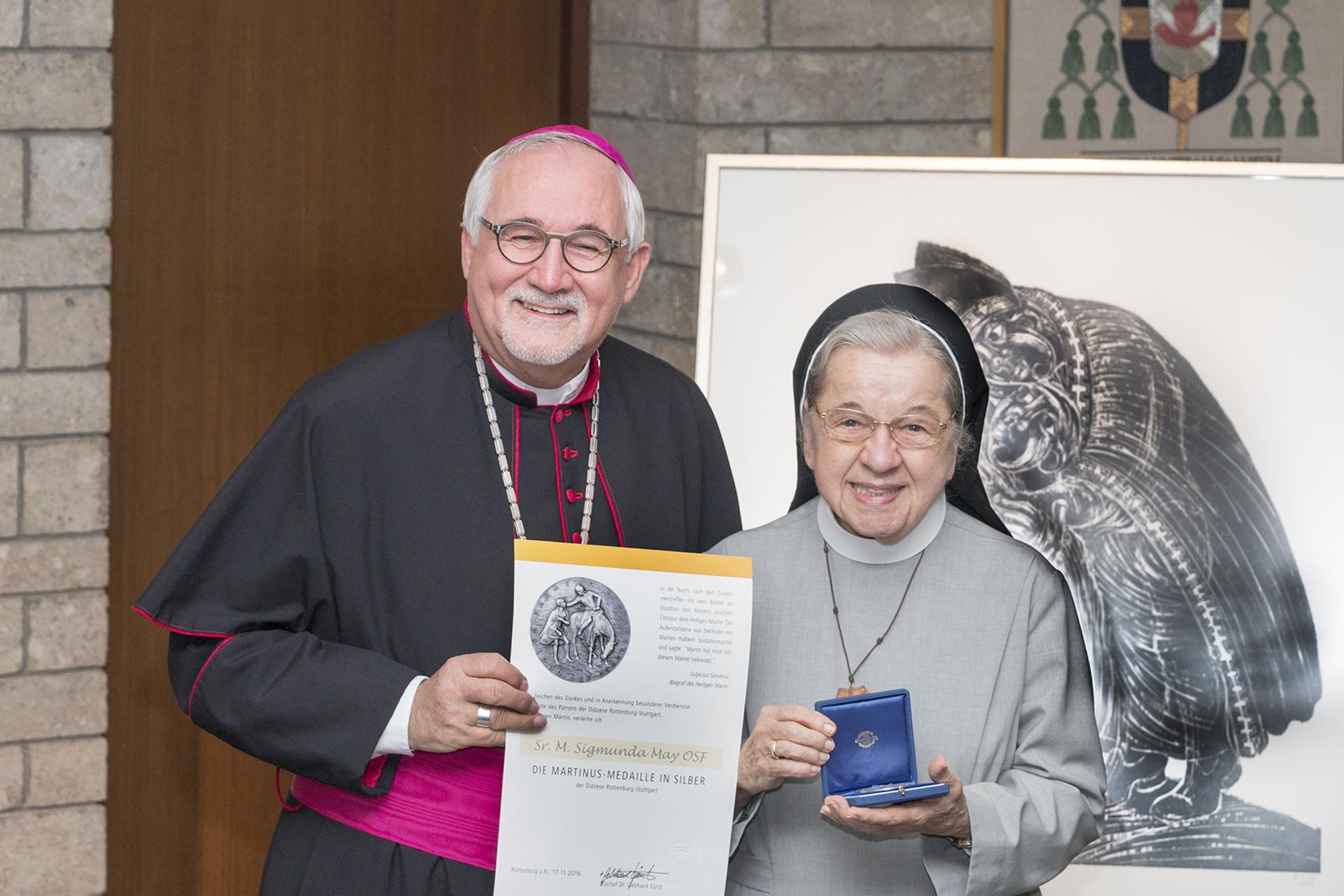 2016 Silberne Martinusmedaille Für Sr. Sigmunda May; Bildquelle: Diözese Rottenburg-Stuttgart/Jochen Wiedemann
